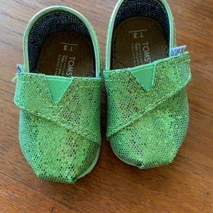 Rare Green Iridescent Glimmer Tiny TOMS Classics